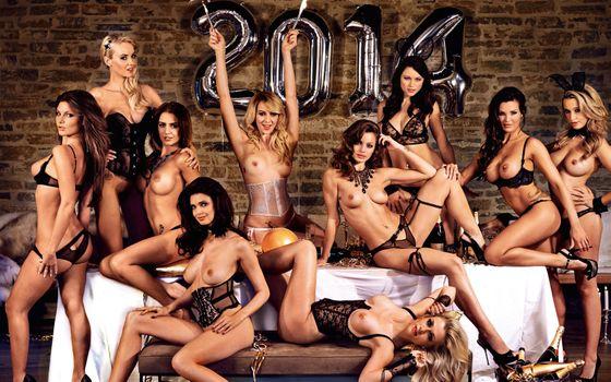 Бесплатные фото playboy,playmate,модель,топлес,группа,сиськи,загорелые,нижнее белье,черное белье,десять