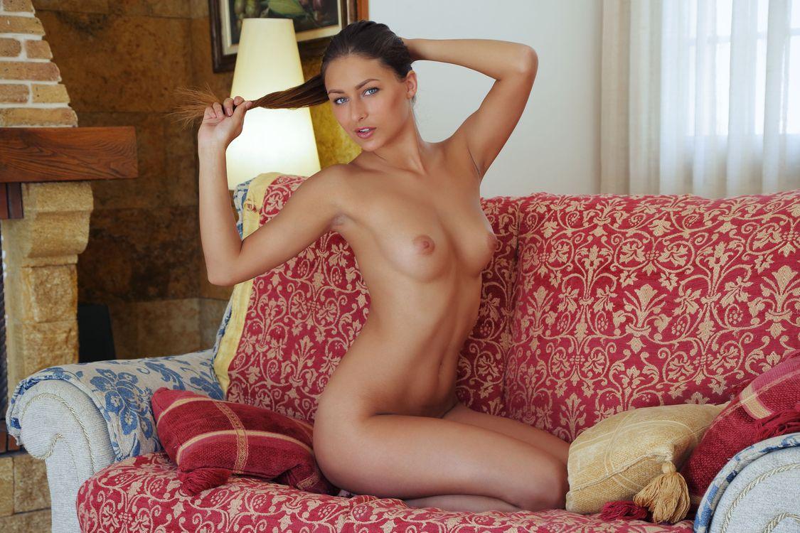 Фото бесплатно Yarina A, Yarina P, Marketa, Nikita Y, Noemi Moon, Yaryna, Катерина Милевская, модель, красотка, голая, голая девушка, обнаженная девушка, позы, поза, сексуальная девушка, эротика