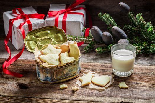 Печенье с молоком · бесплатное фото
