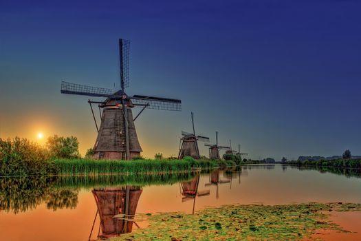 Заставки Kinderdijk, Netherlands, закат