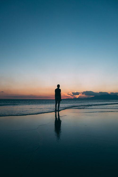 Фото бесплатно человек, силуэт, море, берег, прибой, man, silhouette, sea, shore, surf, настроения - скачать на рабочий стол