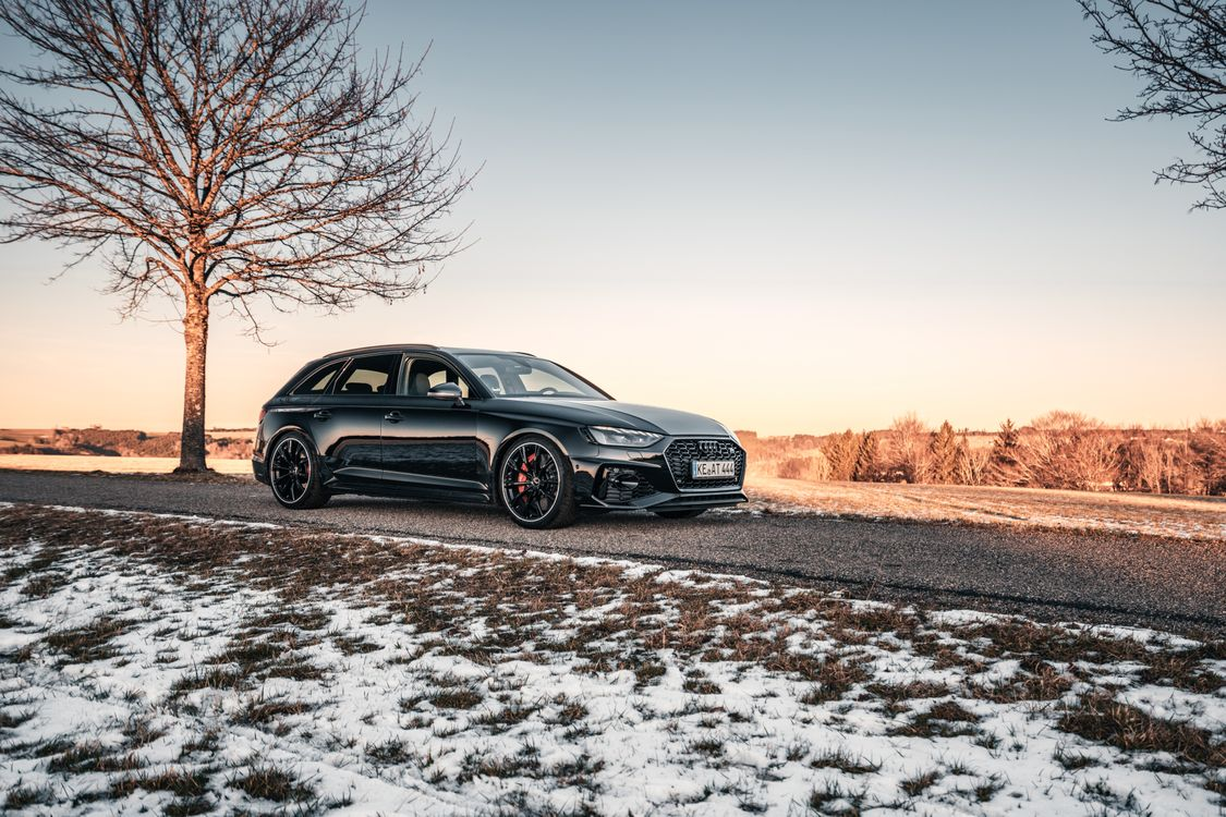 Photo Audi cars Audi Rs4 - free pictures on Fonwall