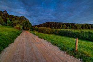 Бесплатные фото поле, дорога, деревья, холмы, пейзаж