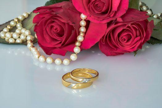 цветы и кольца