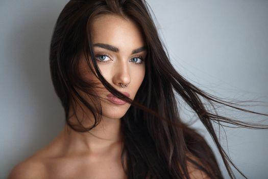 Photo free brunette, nose ring, model