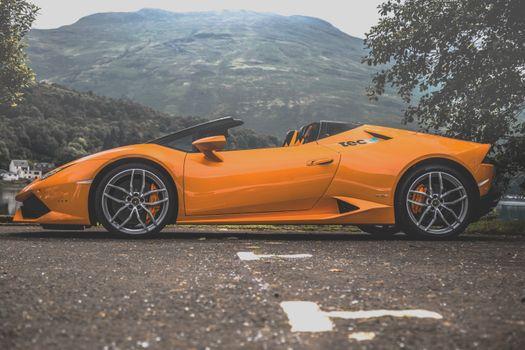 Photos of Lamborghini Urakan, Lamborghini, car phone