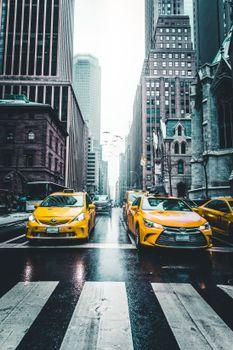 Бесплатные фото такси,небоскребы,город,движение,taxi,skyscrapers,city,traffic