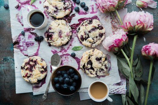 Фото бесплатно печенье, ягоды, цветы