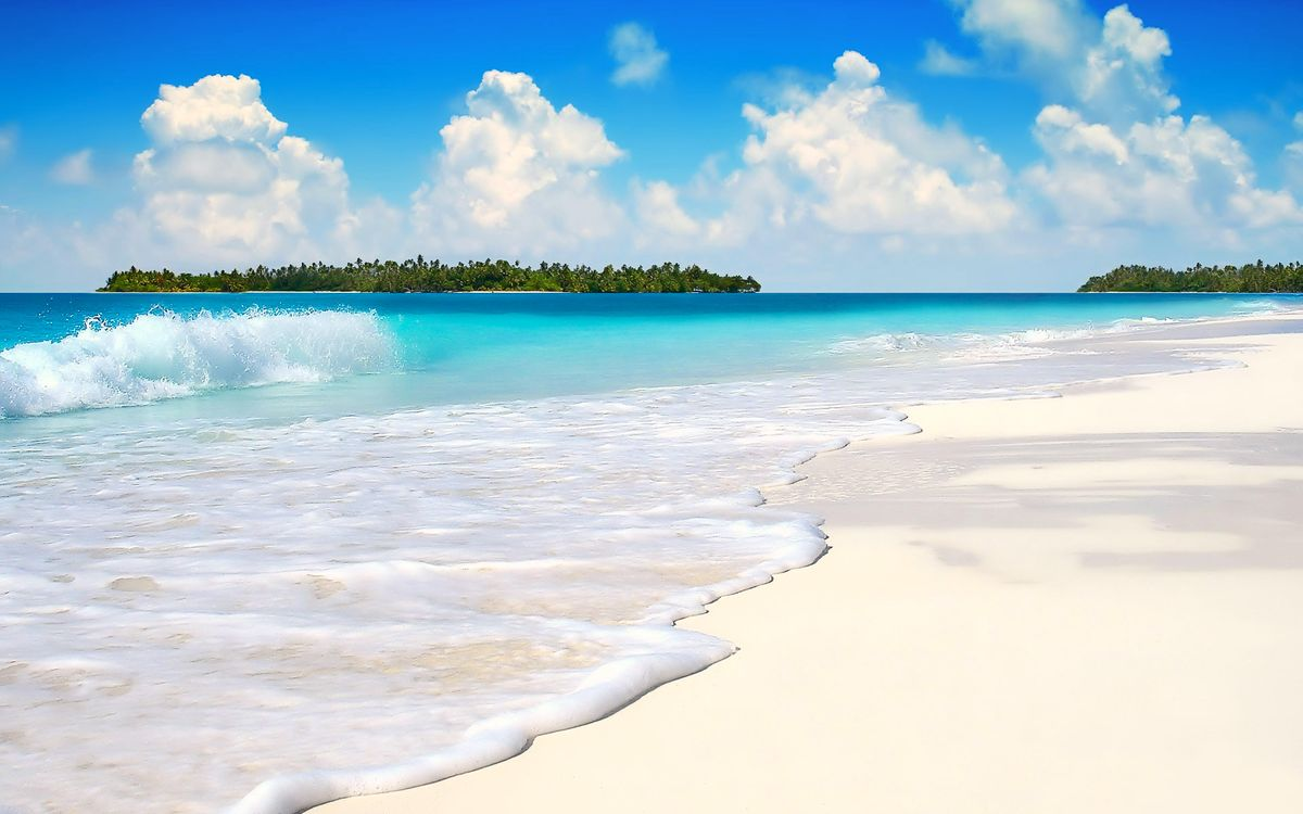 чистый фото океан с белым песком представлен