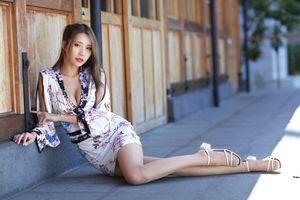 Photo free woman, asian, sit