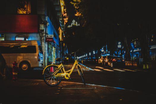 Заставки велосипед,улица,город,вечер,bicycle,street,city,evening