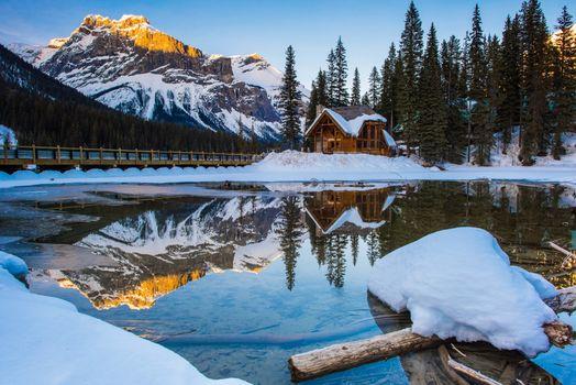 Бесплатные фото Emerald Lake,Ontario,Canada,Эмералд озеро,горы,деревья,пейзаж,зима