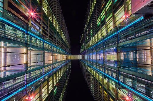 Фото бесплатно здание, ночь, коридор