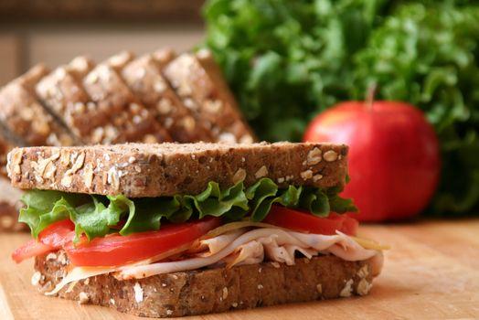 Фото бесплатно сэндвич, помидор, листья салата