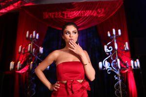 Photo free Selena Gomez, girl, red dress
