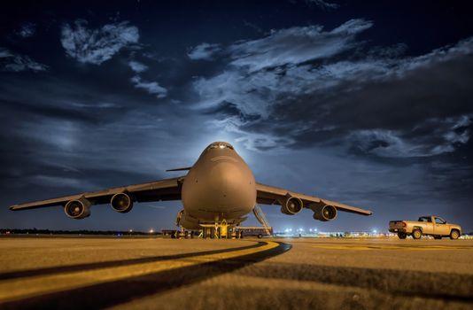 Фото бесплатно Самолёт, автомобиль, аэропорт
