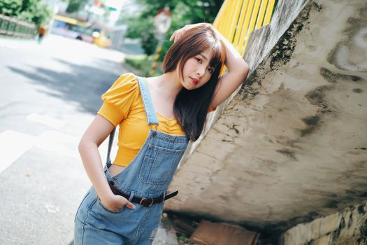 Photo free posing, brown haired, real girls