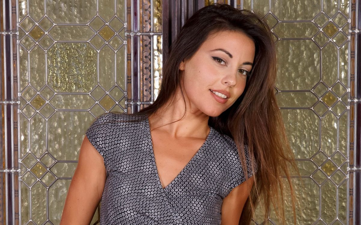 Photos for free lorena g, brunette, dress - to the desktop