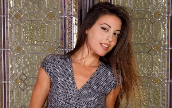 Фото бесплатно lorena g, брюнетка, платье