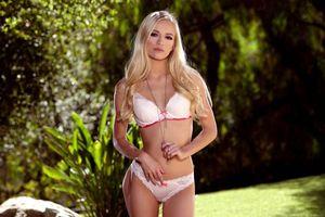 Бесплатные фото alex серый,модель,блондинка,длинные волосы,белый бюстгальтер,бюстгальтер,белые трусики