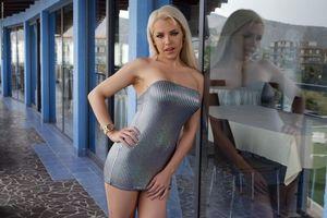 Заставки Yasmin,красотка,позы,поза,сексуальная девушка,модель