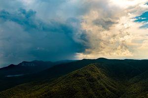 Заставки деревья, облака, горы
