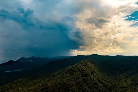 Фото бесплатно деревья, облака, горы