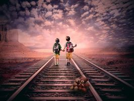 Бесплатные фото закат,железная дорога,дети,игрушка мишка,art
