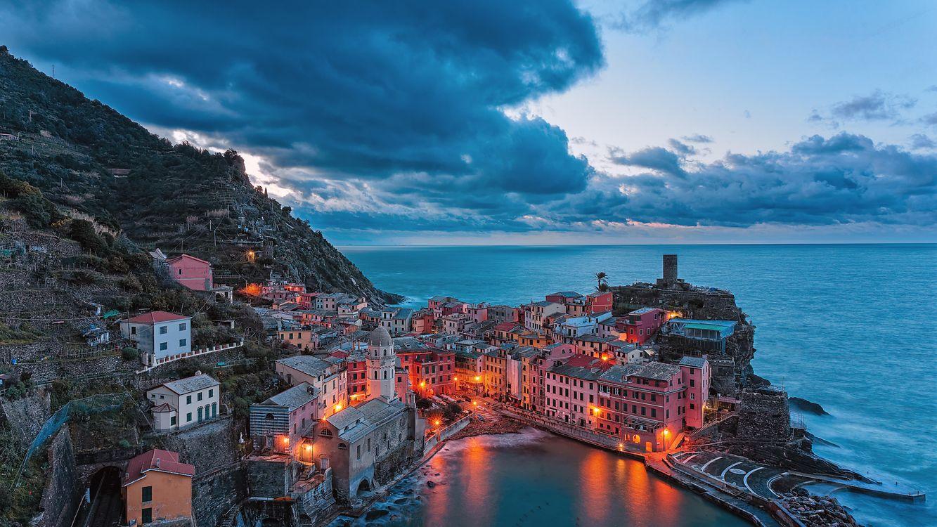 Free photo Vernazza, Cinque Terre, Italy - to desktop