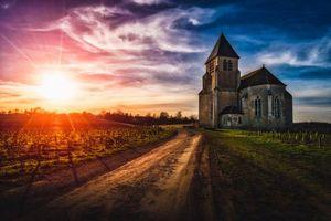 Бесплатные фото Франция,Бургундия,закат,дорога,замок,поле,небо
