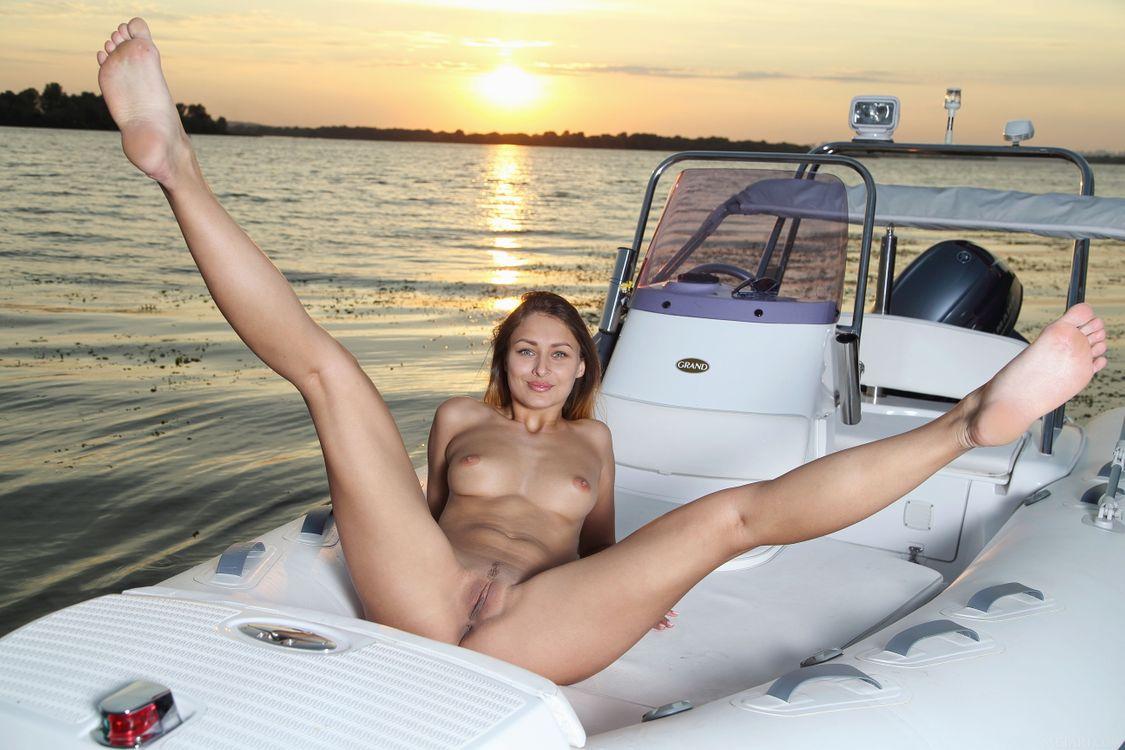 Фото бесплатно Yarina A, модель, красотка, голая, голая девушка, обнаженная девушка, позы, поза, сексуальная девушка, эротика, эротика