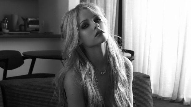 Photo free Avril Lavinge, singer, black and white