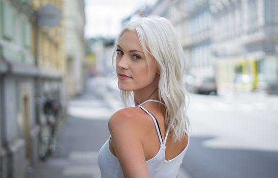 Photo free ash hair, model, white shirt