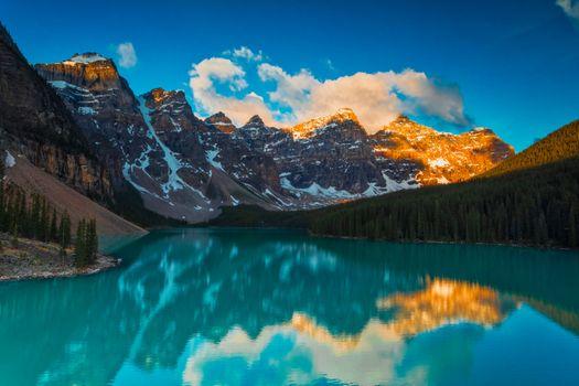 Фото бесплатно отражение, национальный парк Банф, озеро Морейн