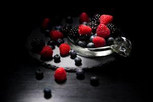 Фото бесплатно еда, черный фон, плоды
