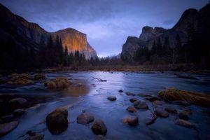 Мелководная река · бесплатное фото