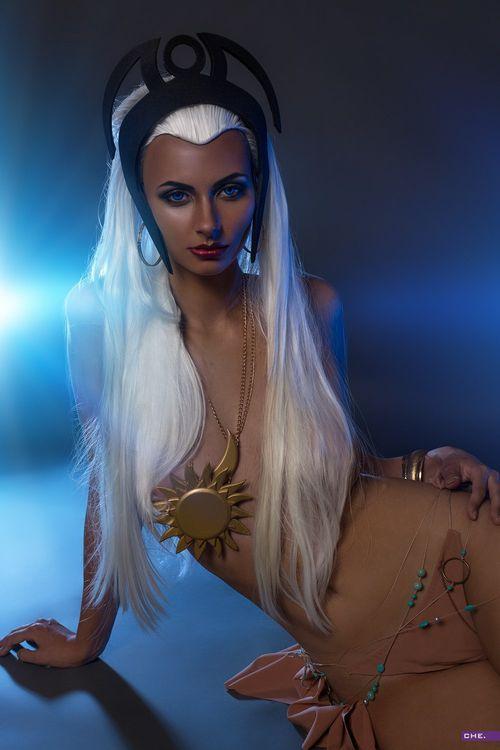 Аня Воеводова и ее шикарные формы · бесплатное фото