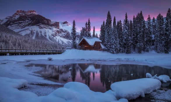 Photo free Emerald Lake Lodge, Yoho National Park, Canada