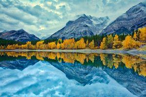 Фото бесплатно Kananaskis Country, Alberta, Canada, осень, озеро, горы, деревья, пейзаж