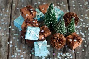 Бесплатные фото prazdnik,zvezdochki,podarki,elka,konfetti