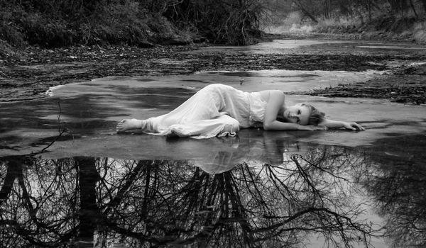 Фото бесплатно поток, черно-белый, монохромная фотография