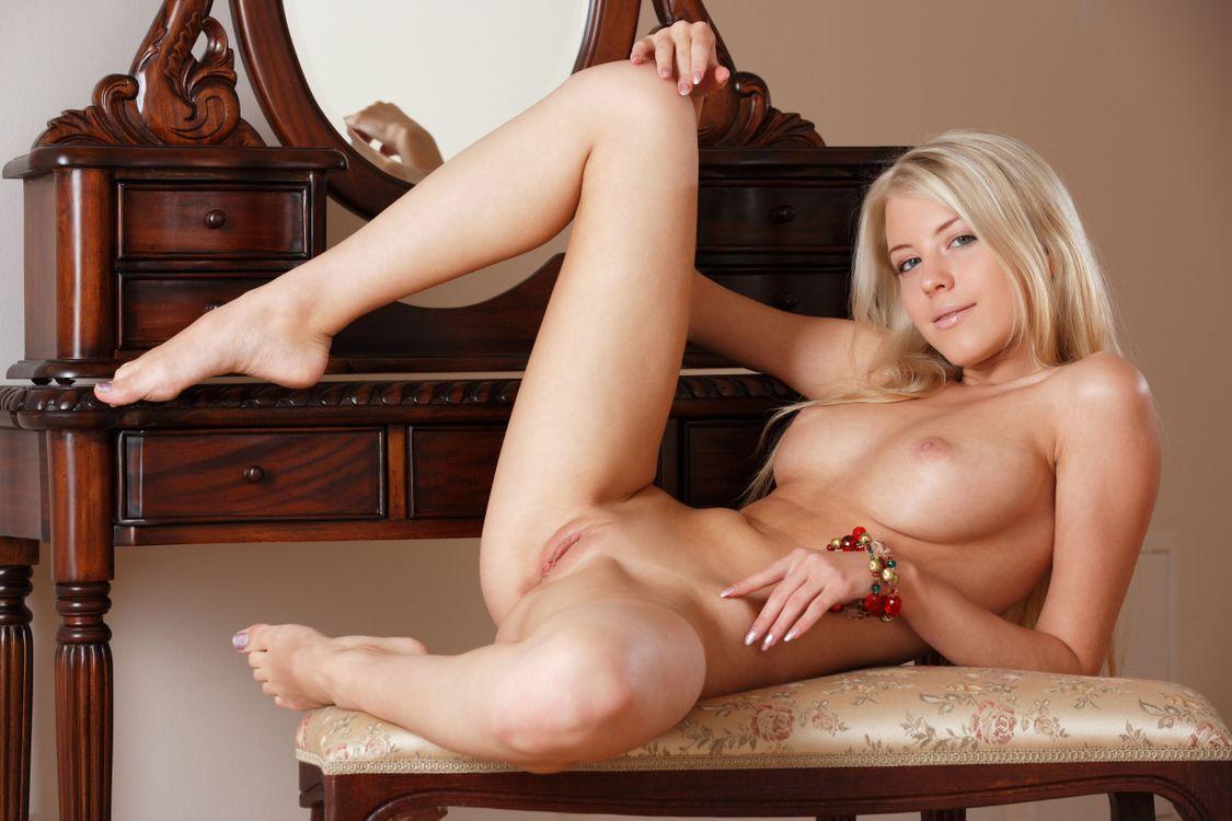 Обои Barbara D, модель, красотка, голая, голая девушка, обнаженная девушка, позы, поза, сексуальная девушка, эротика на телефон | картинки эротика