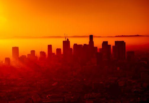 Фото бесплатно городской закат, небоскребы, лучи солнца