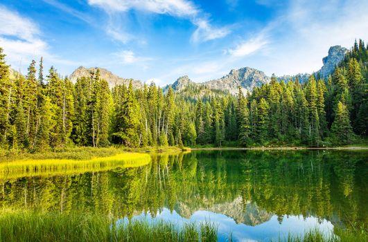 Фото бесплатно Lower Crystal Lake, Washington, озеро, горы, деревья, пейзаж