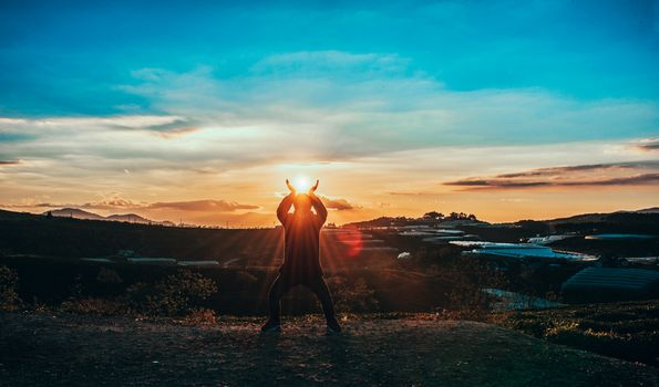 Бесплатные фото портрет,пейзаж,мальчик,Свежий,Естественный,солнце,Солнечный свет,легкий,Изобразительное искусство,небо,море,горизонт