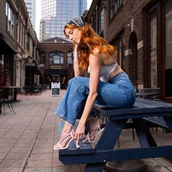 Photo free girls, Taylor Freeze, redhead girl