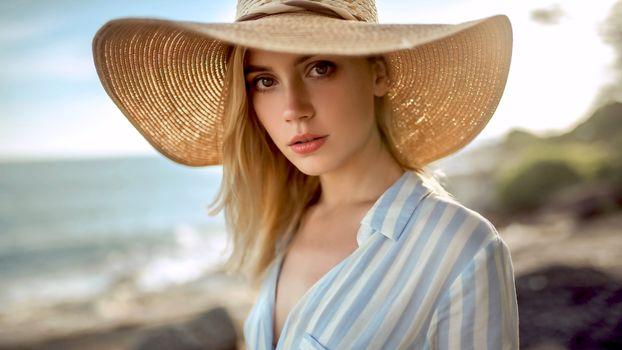Бесплатные фото ksenia kokoreva,модель,красивая,детка,блондинка,чувственные губы,русская,шляпа,4k,глубина резкости,model,pretty