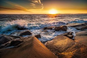 Бесплатные фото закат,море,скалы,волны,берег,пейзаж