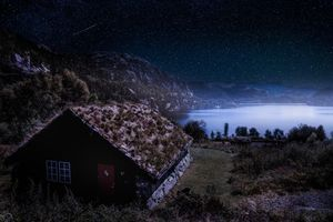 Бесплатные фото звёзды,горы,пейзаж,озеро,домик,лес,Млечный Путь
