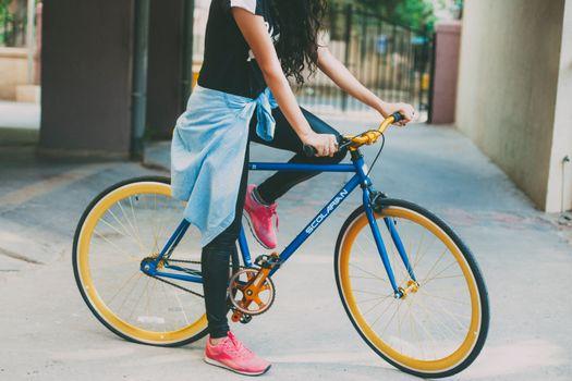 Фото бесплатно велосипед, девушка, спорт